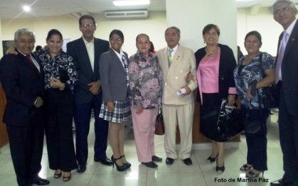 Lic. Margarita Mejia de Kaviedes, (centro) concejala - presidente de la comisión de cultura GAD Municipal de Manta