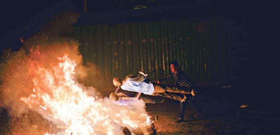 12_31 La quema de los años viejos, rito, tradicion...