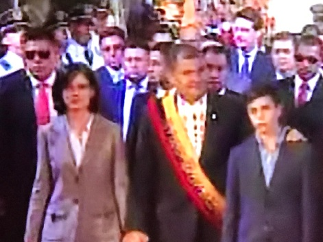 Presidente Rafael Correa, esposa e hijo. Quito, 24 de mayo