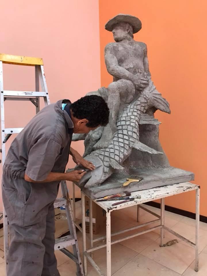Jose Loor, escultura chola