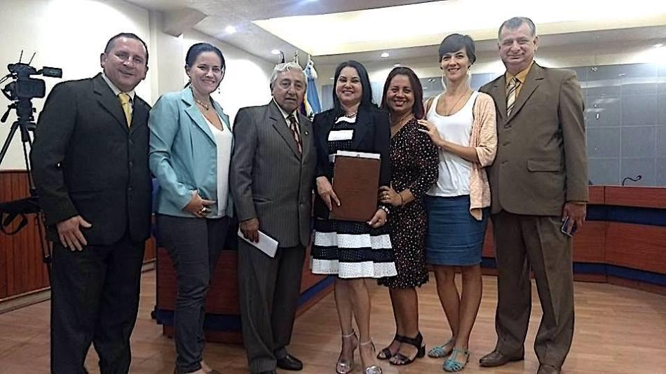 05 Miriam Quitoz y otros
