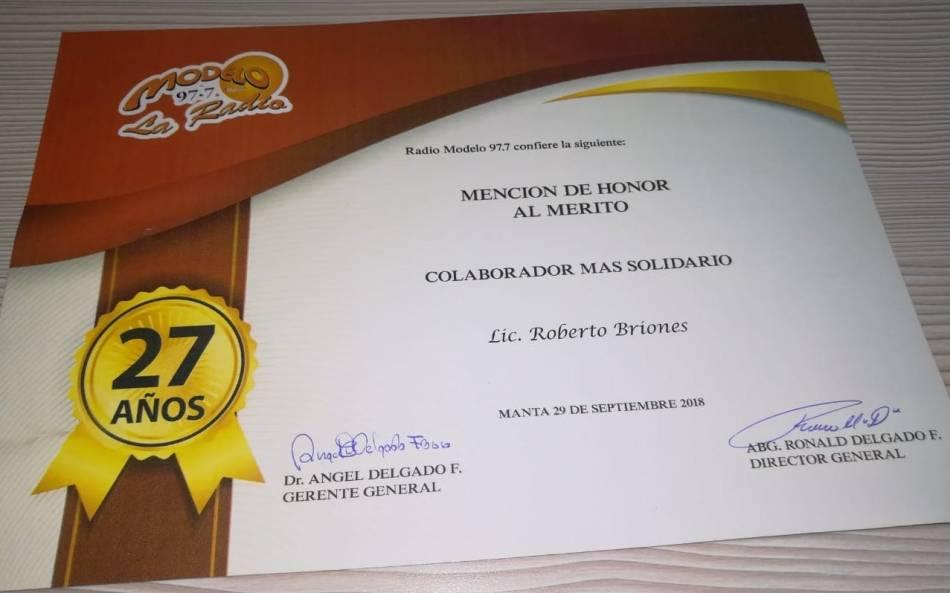 04 Roberto Briones, diploma